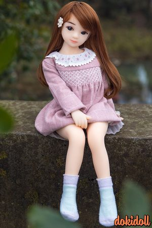 Adorable Japanese Doll Aoi