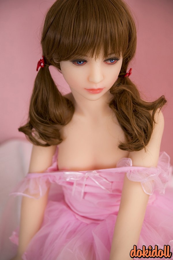 Cute Realistic Love Doll with Blue Eyes – Isabelle (8)