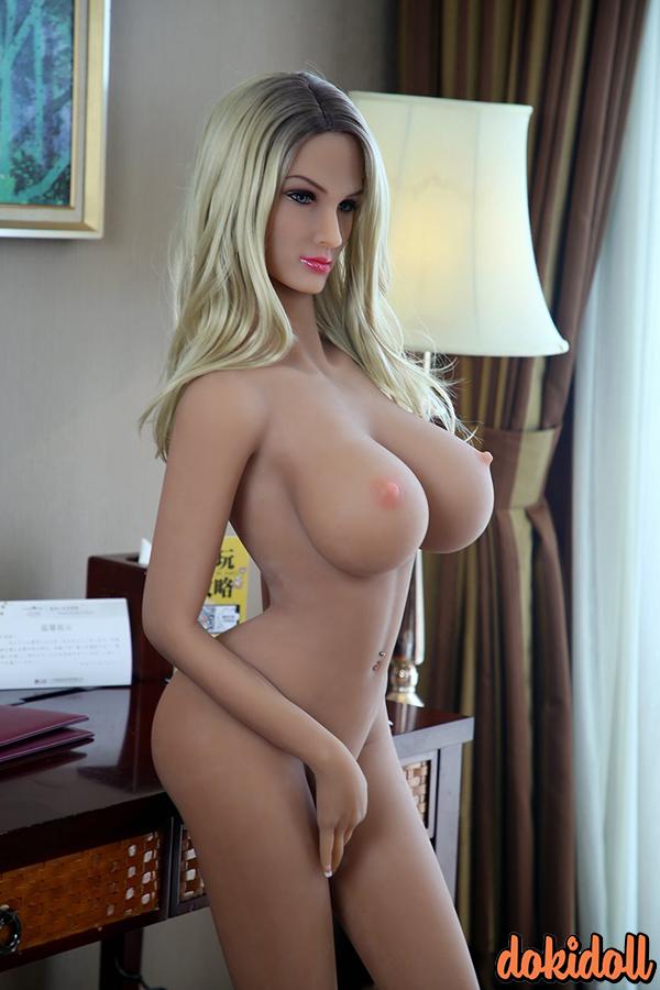158cm K-Cup Big Tits Sex Doll – Savannah (1)